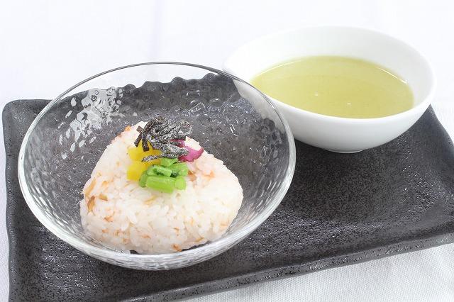 05【日本】塩サケ茶漬